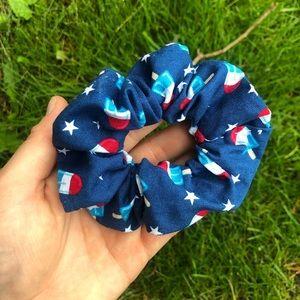 4th of July Scrunchie!❤️💙😊